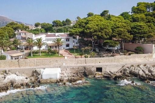 Atemberaubende Villa in erstklassiger Lage direkt am Meer in Cala Ratjada