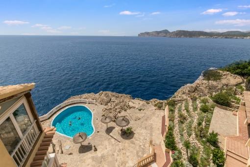 Schöne Wohnung mit herrlichem Meerblick in erster Meereslinie in Santa Ponsa