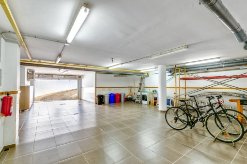 100 qm Garage
