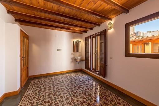 Herrliches Schlafzimmer mit mallorquinischen Fliesenboden