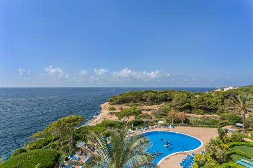 Erstklassige Wohnung in erster Meereslinie in Cala Pi