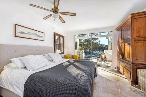 Wunderbares Doppelschlafzimmer mit Meerblick