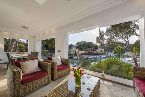 Fabelhafte Villa in erster Meereslinie mit herrlichem Blick auf den Yachthafen von Santa Ponsa