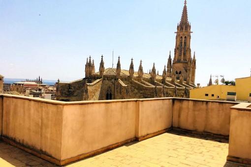 Bezauberndes Penthaus-Apartment in Palma mit Sicht auf Kathedrale und Meer von der Dachterrasse