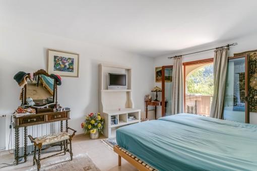 Doppelschlafzimmer mit Zugang zur Veranda