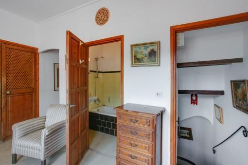 Das Haus verfügt über 2 Badezimmer