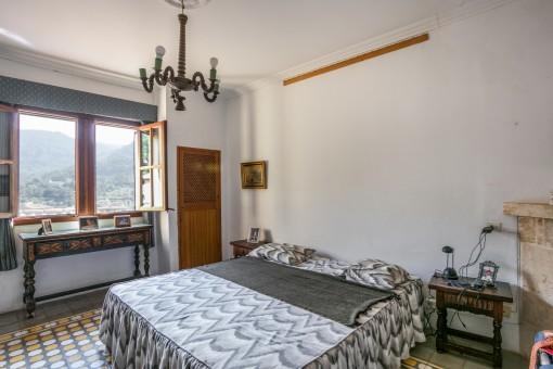 Hauptschlafzimmer mit Landschaftsblick