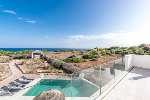 Traumhafte Neubauvilla in erster Linie mit Meerblick bis zur Insel Cabrera in Cala Llombards