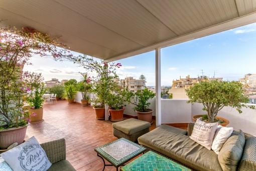 Apartment mit schöner Terrasse und Blick auf den Hafen von Palma