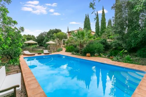 Großes Fincaanwesen mit Gästehäusern und Pool nähe Arta