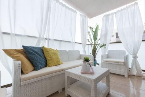 Komfortabler Loungebereich auf der Terrasse