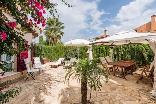 Eck-Villa mit Panoramablick und großem Gemeinschaftsbereich in Cala Murada