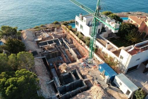 Luxusvilla in erster Meereslinie in Vallgornera mit spektakulären Aussichten