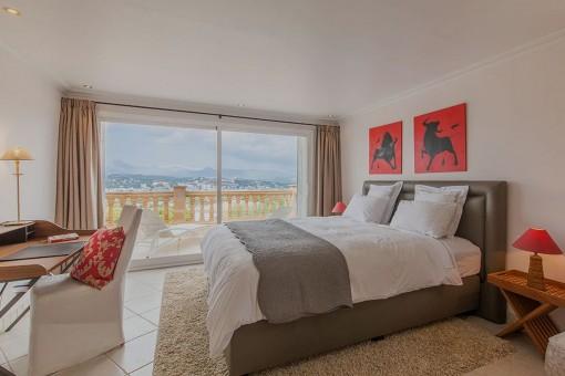 Schlafzimmer mit privaten Balkon