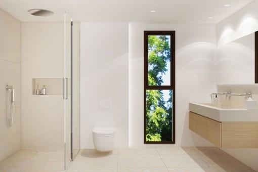Elegantes Badezimmer mit bodentiefer Dusche