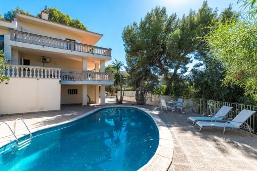 Villa mit Ölzentralheizung und Pool in Bendinat