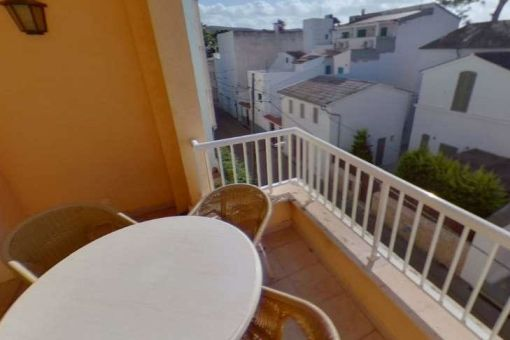 Zauberhafter Balkon mit Essbereich