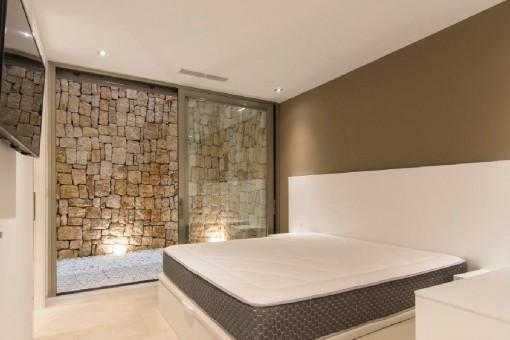 Ein Doppelschlafzimmer im Erdgeschoss