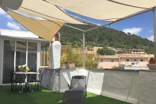 Antik trifft auf modern: modernisierte Penthaus-Wohnung in geschichtsträchtigem Stadthaus in Alaró