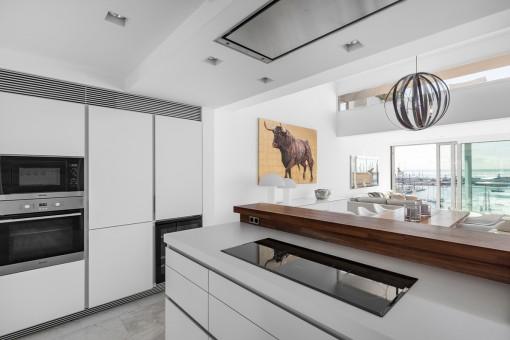 Wunderschöne, moderne Küche