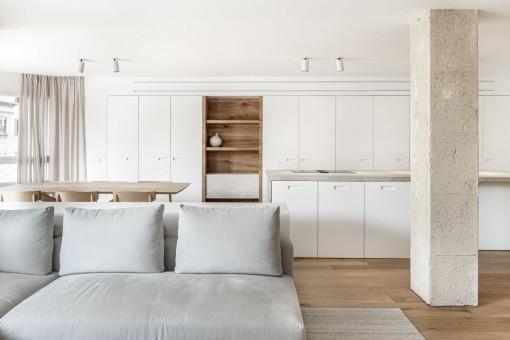 Geräumige, lichtdurchflutete Wohnung mit Balkon in Palma