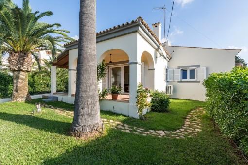 Villa mit separatem Gästehaus und Pool in Cala Anguila