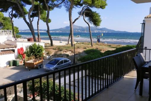 Überwintern an der Playa de Muro am Strand: Tolle 3 Schlafzimmer-Wohnung mit umwerfendem Meerblick