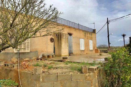Finca mit eingezäunten Grundstück und viel Potenzial nahe Palma in Santa Maria