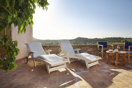 Sonnige Terrasse mit herrlichem Ausblick