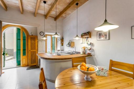 Renoviertes romantisches Stadthäuschen mit Dachterrasse und Innenhof in Mancor de la Vall bei Selva