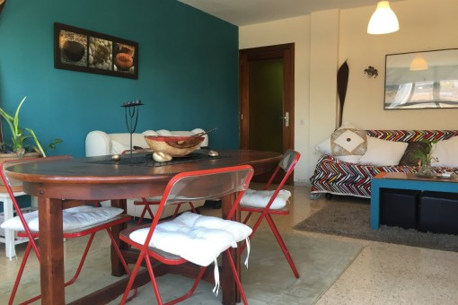 Möblierte, zentral gelegene Wohnung mit Terrasse im charmanten Viertel Santa Catalina, Palma
