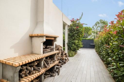 Garten mit Grillbereich