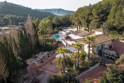 Exklusives Landhaus in Capdepera von einem wunderschönen Landschaftsgarten umgeben