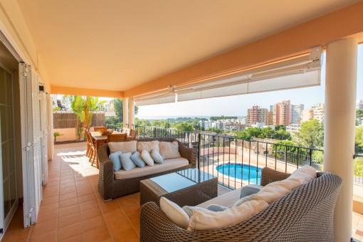 Großzügige Villa mit Pool und tollem Meerblick in Bonanova