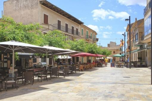 Wunderschöne Plaza in Santanyi