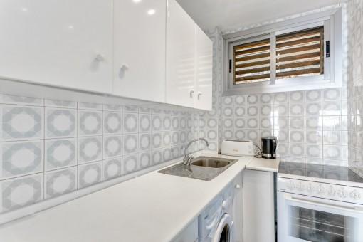 Wundervolle Küche mit Waschmaschine