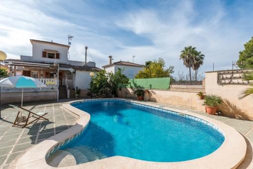 Idyllisches Einfamilienhaus mit Meerblick in zentraler Lage zur Playa de Palma