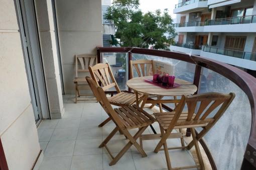 Weitläufige, lichtdurchflutete und fast neuwertige Wohnung 50 Meter vom Strand in Port Pollença