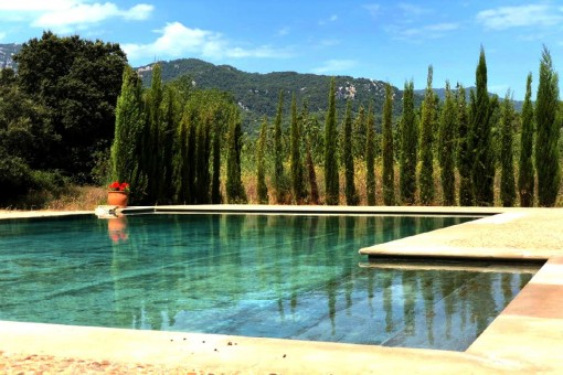 Ruhig gelegenes Landhaus mit Pool in Esporles