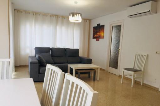 Helle, zentral gelegene Stadtwohnung in Palma mit Balkon