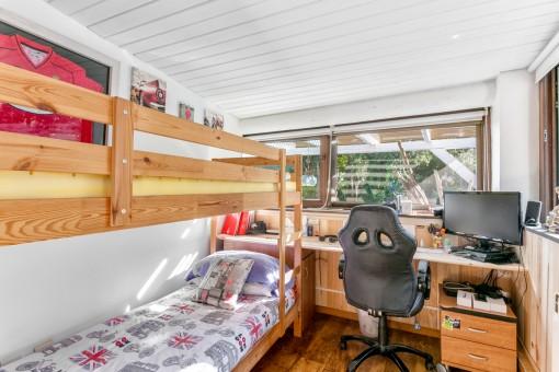Weiteres Schlafzimmer mit Hochbett
