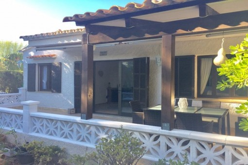 Gemütliches Häuschen mit Pool in Cala Romántica