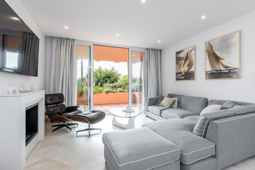 Komplett hochwertig sanierte Wohnung in mediterraner Wohnanlage in Santa Ponca