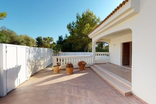 Gerade frisch renoviertes Chalet in ruhiger Wohngegend von Son Serra de Marina mit Möglichkeit für den Bau eines Pools