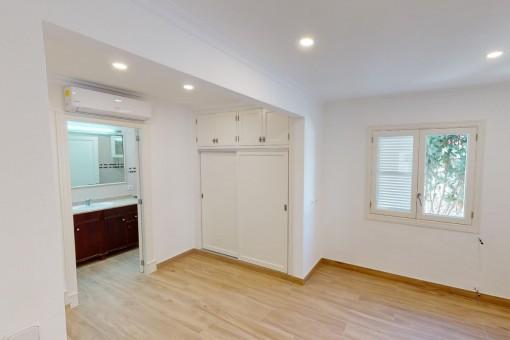 Hauptschlafzimmer mit Badezimmer