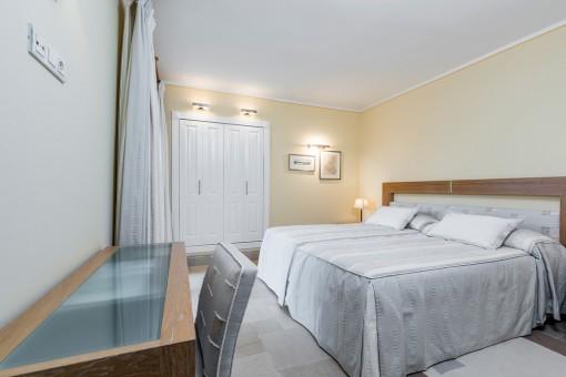 Schlafzimmer mit Terrasse