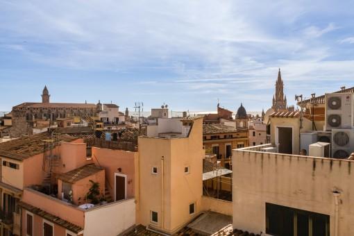Lichtdurchflutetes und perfekt restaurierte Erstbezug-Wohnng mit 4 Terrassen in Palmas Altstadt