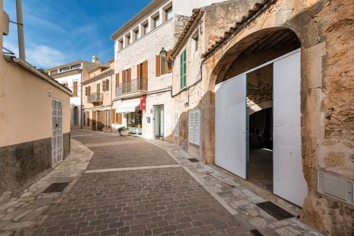 Historisches renovierungsbedürftiges Stadthaus mitten im Zentrum von Santanyi