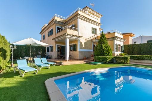 Schönes, gepflegtes Haus mit Vermietungslizenz in Puig de Ros