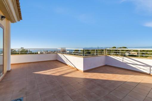 Traumhafte Terrasse mit Ausblick